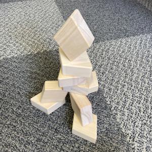 ダイヤ積木塔