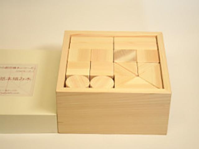 ヒノキの小さな積み木 34個